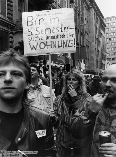 Frankfurt Students Protest Exorbitant Rents (December 1988)