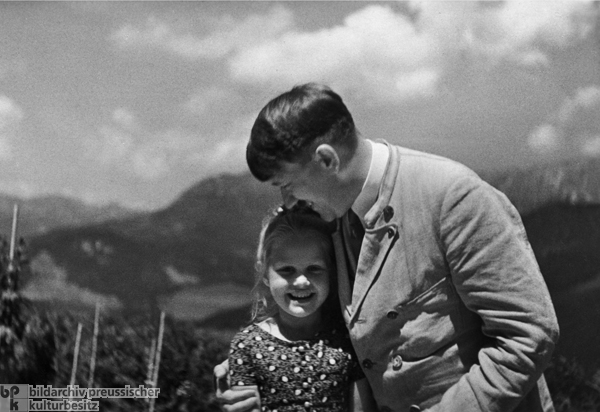 The Führer and Youth (Adolf Hitler with a Little Girl), Postcard (1933)