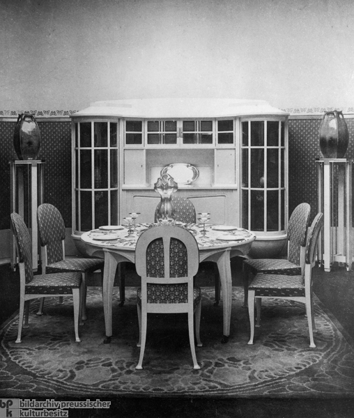 Third German Arts and Crafts Exhibition in Dresden: Dining Room by Henry van de Velde (1906)