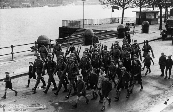 Wehrmacht Units Occupy the Demilitarized Rhineland Zone: The First Troops March Into Koblenz (March 1936)