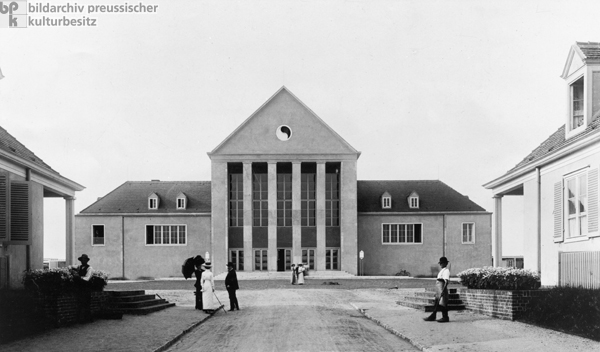 Theater of the Educational Institution for Rhythmic Gymnastics in the Garden City of Hellerau (c. 1913)