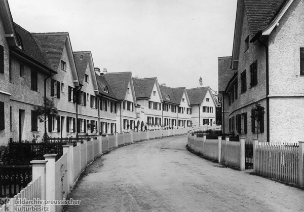 Row Houses in the Garden City of Hellerau (c. 1910)