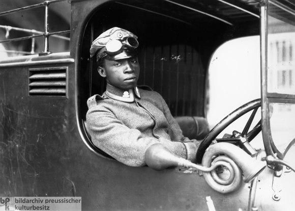 East African (Askari) Nember of the Lettow-Vorbeck <I>Freikorps</i> in Munich (May 1919)