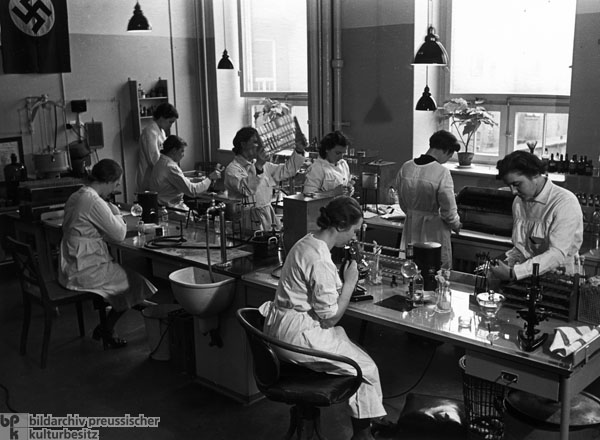 Laboratory Workers at the Institute for Hygiene in Hamburg (1937)
